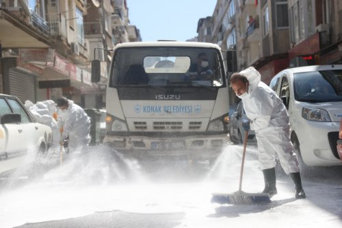 konak-belediyesi-400-temizlik-personeli-ile-sahada.jpeg